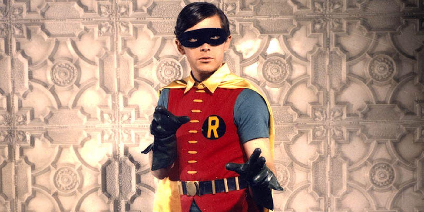 Crisis on Infinite Earths Photo Reveals Burt Ward In Robin Colors