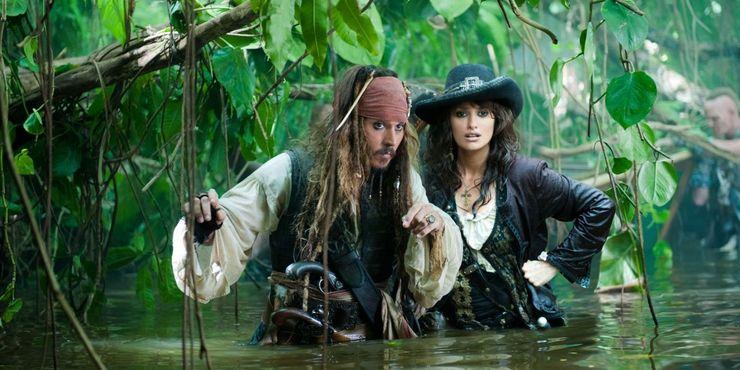 Johnny Depp e Penelope Cruz em Piratas do Caribe: Em marés mais estranhas