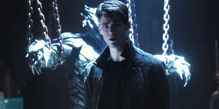 The Flash: How Barry Becomes Savitar Explained | ScreenRant