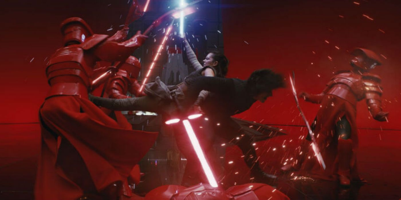 The Last Jedi's Throne Room Continuity Error (Doesn't Matter)