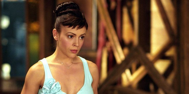 Charmed: How Old The Halliwell Sisters Are At The Beginning & End