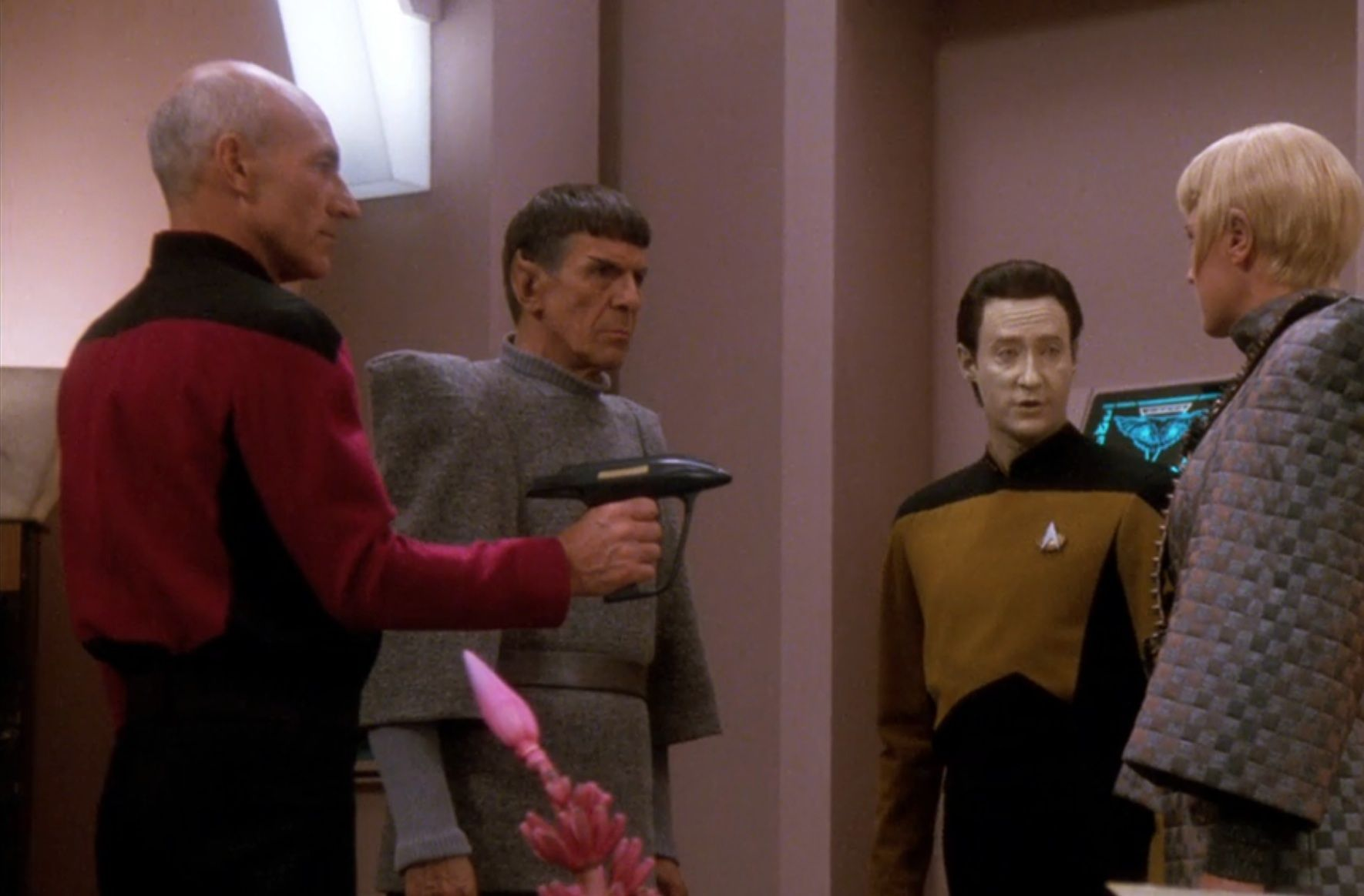 Star Trek: 20 Mistakes Fans Completely Missed In TNG - in360news