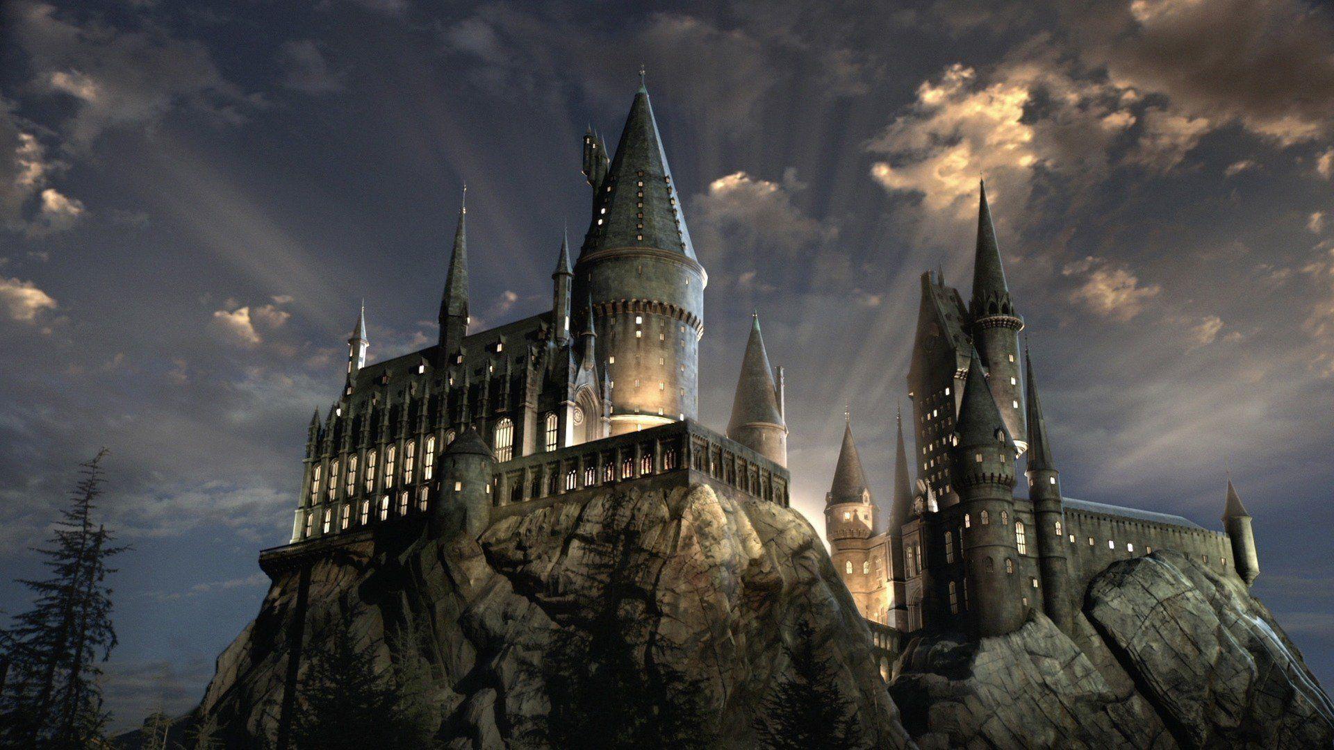 [Image: 18-Explore-Hogwarts.jpg]