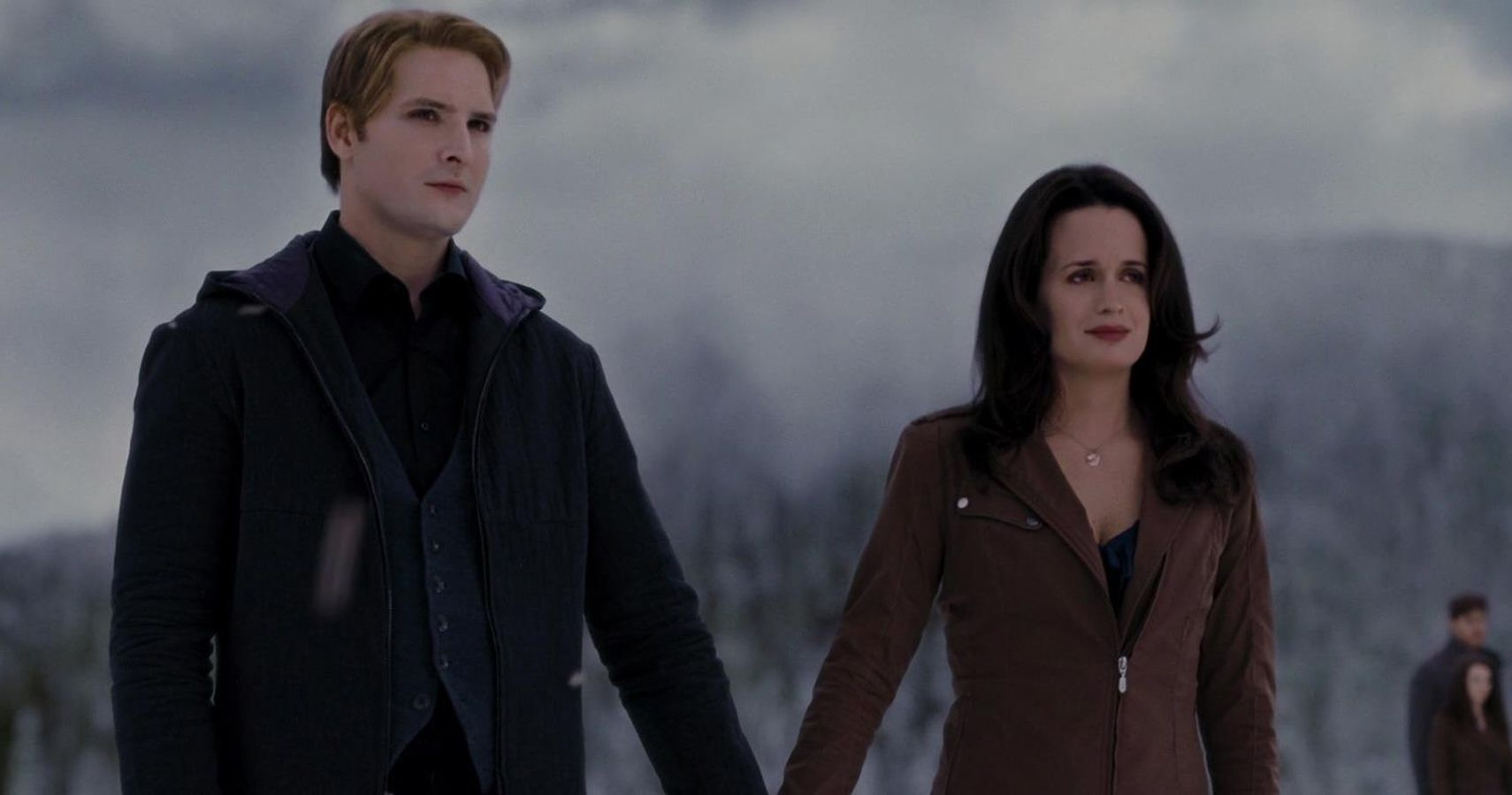 Twilight: 25 Things That Make No Sense About Carlise And Esme