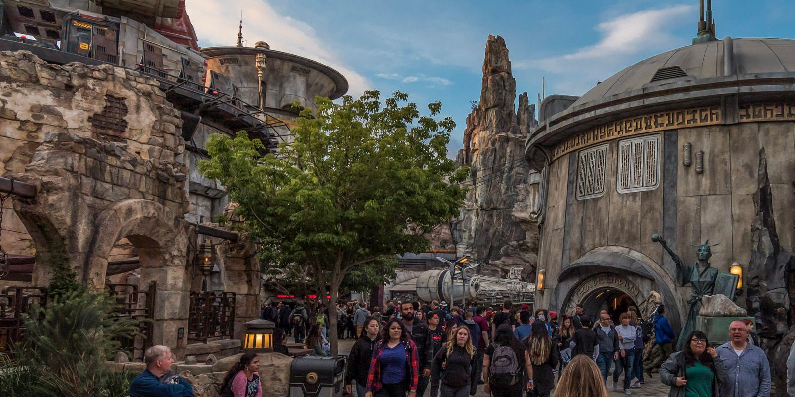 Disney Is Charging $11 For Sporks (That Were Free When Galaxy's Edge Opened)