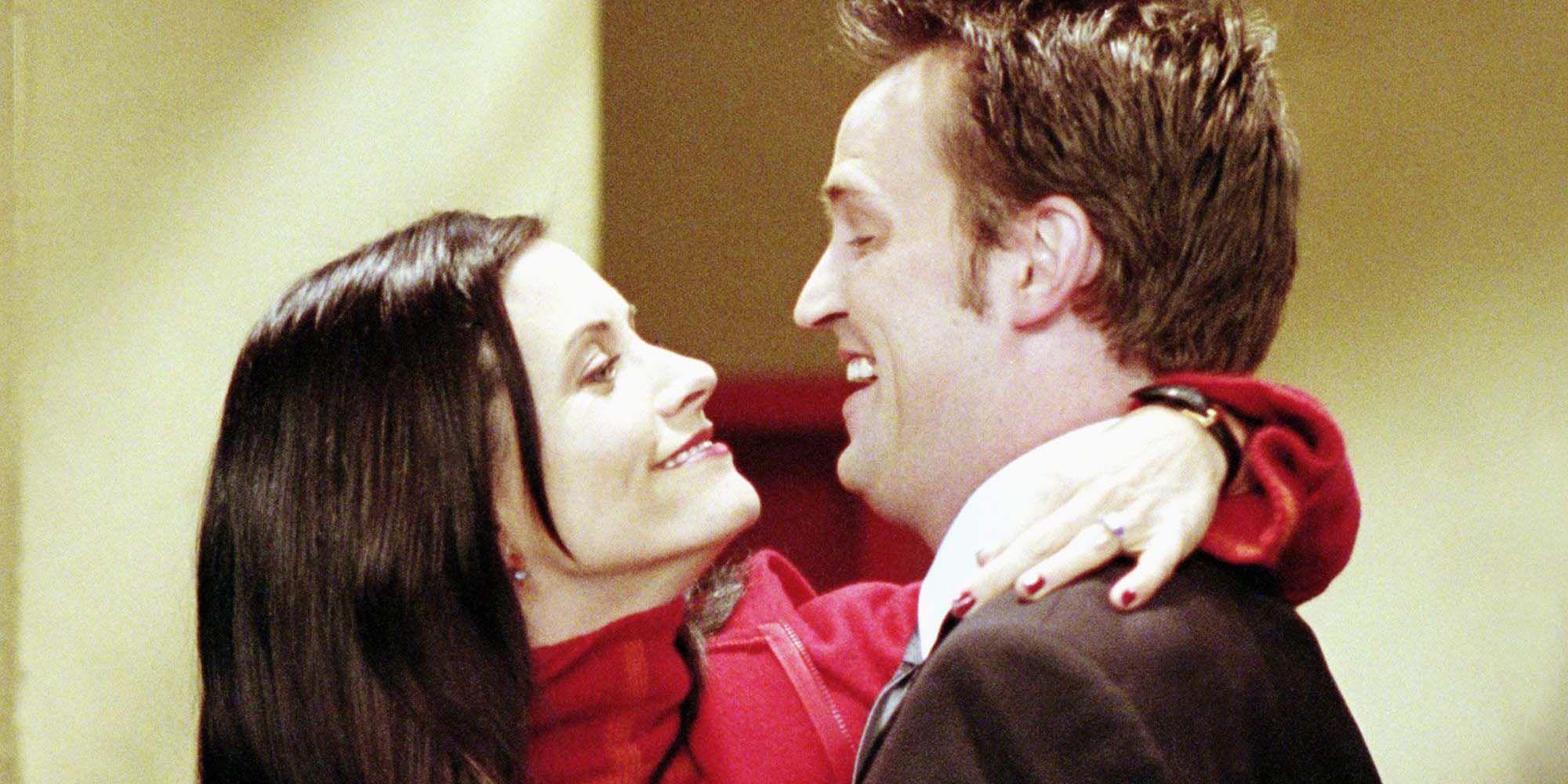 Chandler og Monica dating