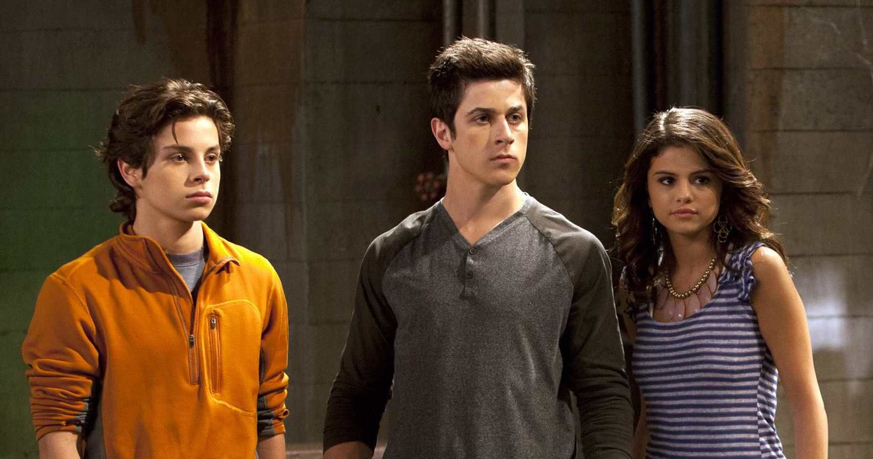 PrincessReviews: Wizards of Waverly Place the Movie |The Wizards Wiverly Place