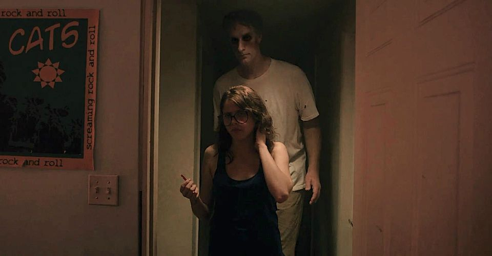 It Follows: The Giant Man's REAL Identity Explained | Screen Rant