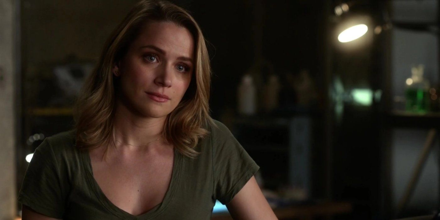 The Flash: Why Shantel VanSanten's Patty Spivot Left In Season 2