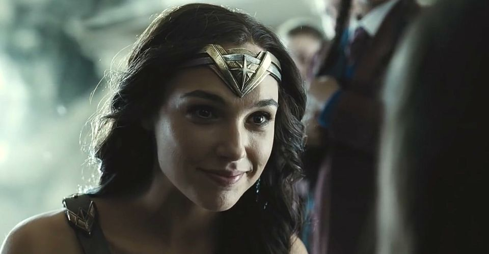 Wonder Woman Smiling Confirms Justice League's Snyder Cut Won't Be Too Dark