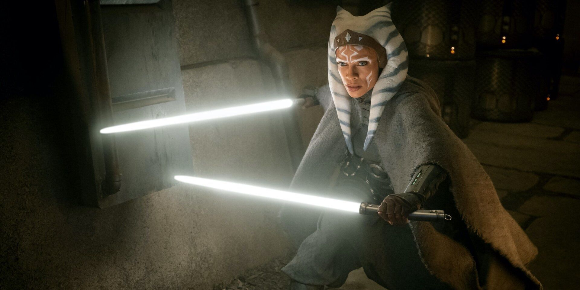 Rosario Dawson Gets In Lightsaber Fight As Ahsoka Tano On HBO Show Set
