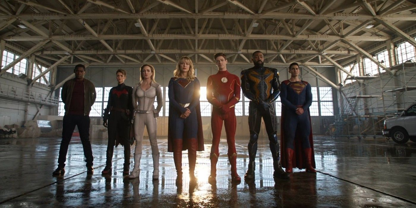 Batwoman Edited Out of Crisis on Infinite Earths Scene in Arrowverse Special