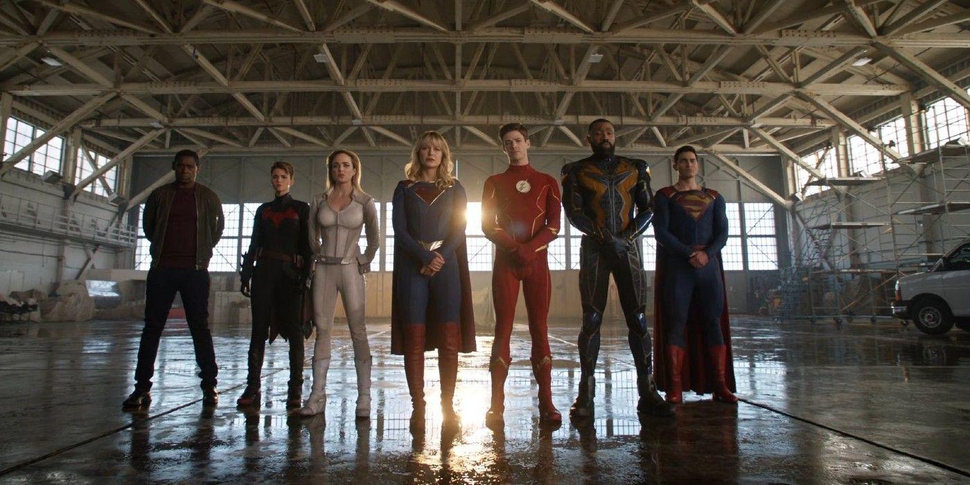 https://static1.srcdn.com/wordpress/wp-content/uploads/2021/02/Arrowverse-Earth-Prime-Justice-League-in-Crisis-on-Infinite-Earths.jpg